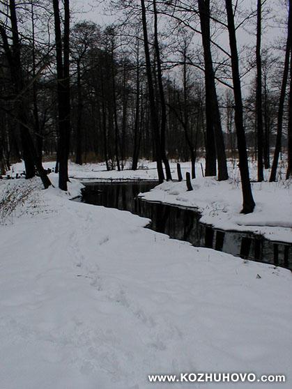 Река на востоке Москвы. Левый
